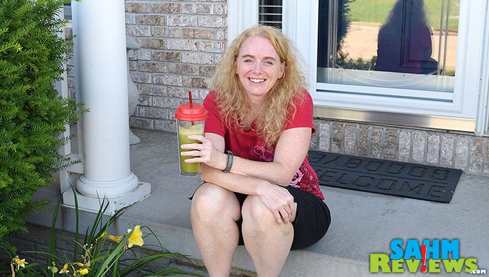 Create a delicious juice using oranges and a cucumber! - SahmReviews.com