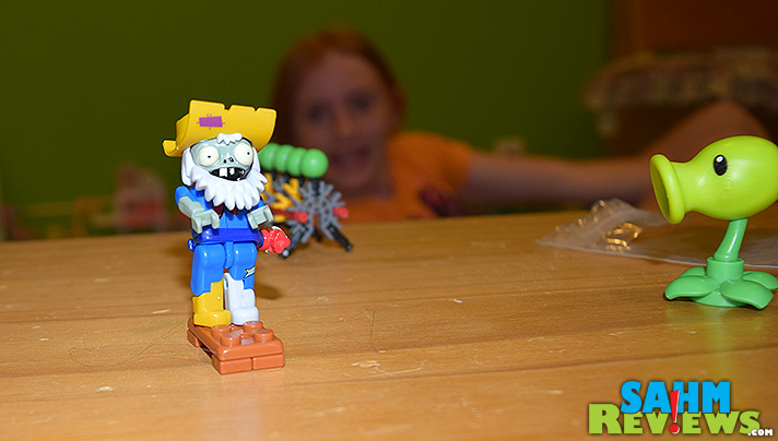 Rarrrghhh! Zombies! - SahmReviews.com #KNEX