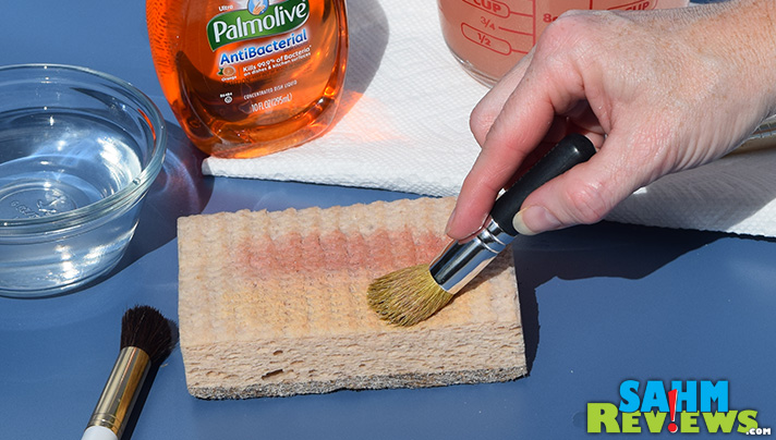 Clean your makeup brushes. Step 6 - Repeat with other brushes. - SahmReviews.com #PalmoliveWM