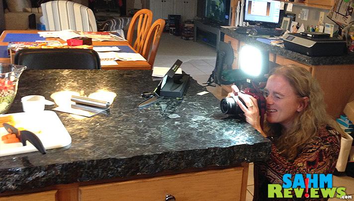 160 LED CI-160 Ultra High Power Digital Camera Light - SahmReviews.com