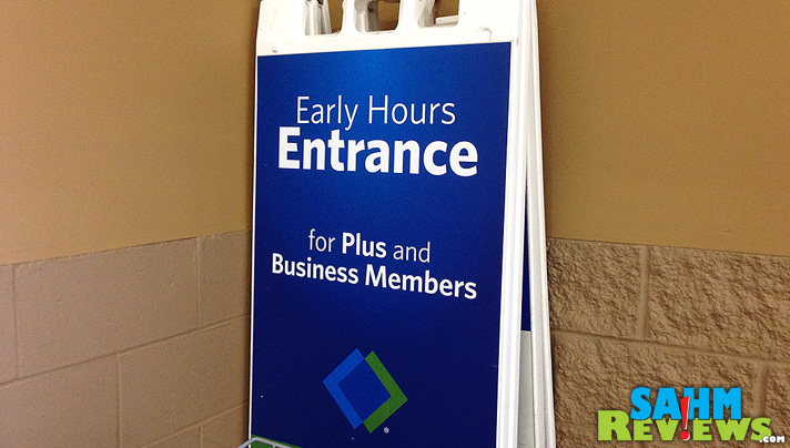 Need to grab something in a hurry? Plus and Busness Members get in early.  Sam's Club Click 'n Pull service is another option. - SahmReviews.com #TrySamsClub #shop