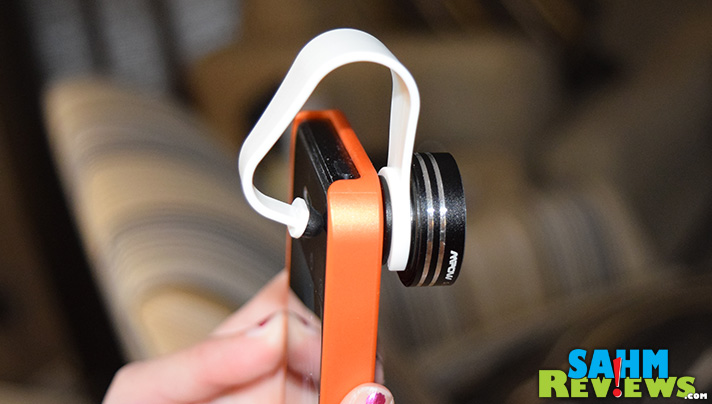 Mpow 3-in-1 lenses attach easily to your cell phone. - SahmReviews.com