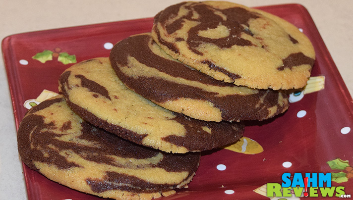 Waste not, want not. Use extra pieces from the Nestle Toll House Holiday Cookie Dough Sheets to make marbled cookies. - SahmReviews.com