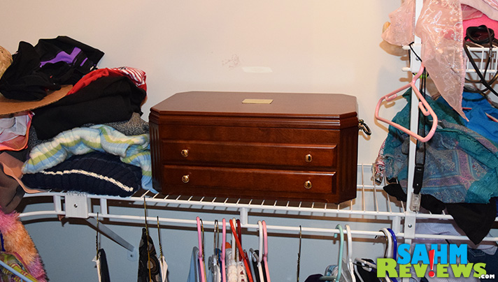 This beautiful jewelry box makes even a shelf look nicer! - SahmReviews.com