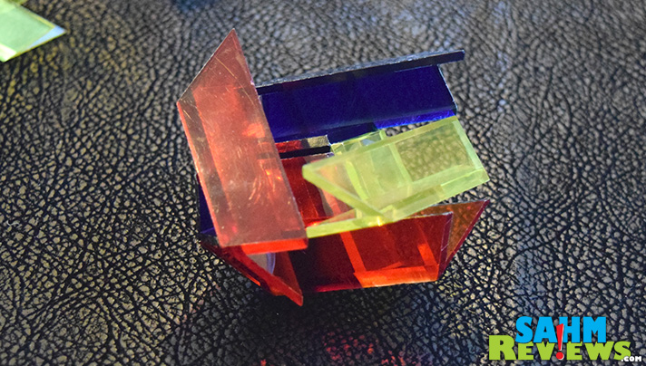 This week's Thrift Treasure is a rather difficult 3D puzzle set from Skor-Mor. This box contains two of the titles from their Star-Art line of geometrics. - SahmReviews.com