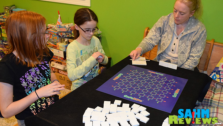 This week's Thrift Treasure is one of our favorite types of games - an abstract game. Unlike most, this one plays up to four. See CrossWise from MindWare! - SahmReviews.com