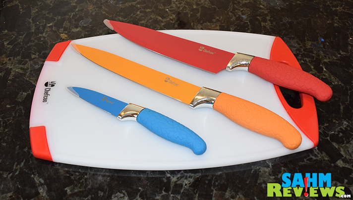 Grabbing the right knife in the kitchen is sometimes harder than it looks. Having color-coded blades makes it much easier. Will these Chefcoo knives pass? - SahmReviews.com