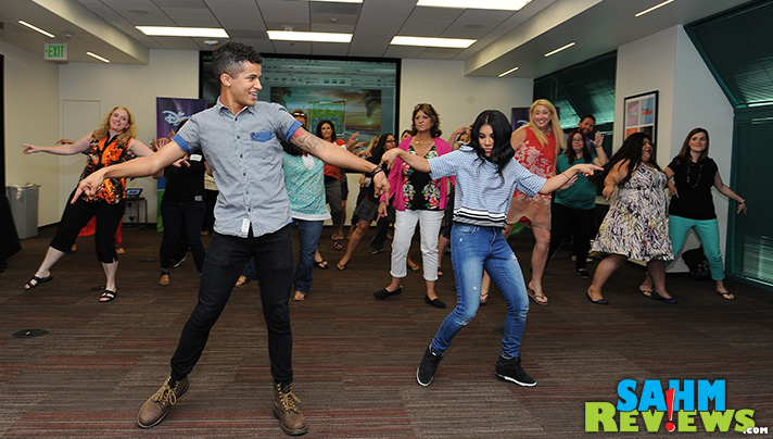 Teen Beach 2 dance lessons from Jordan Fisher and Chrissie Fit! Gotta Be Me. - SahmReviews.com #TeenBeach2Event