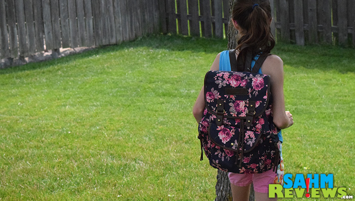 Backpacks can be fashionable, functional AND affordable! - SahmReviews.com #PaylessInsider #SoleStyle