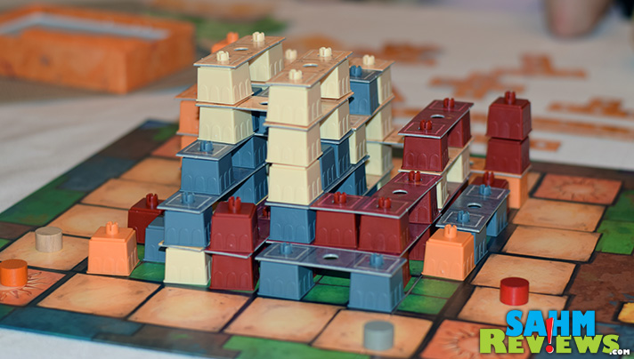 Put those plastic brick building skills to competitive use in Casa Grande by Ravensburger. See the game in action and learn why it might be right for you! - SahmReviews.com