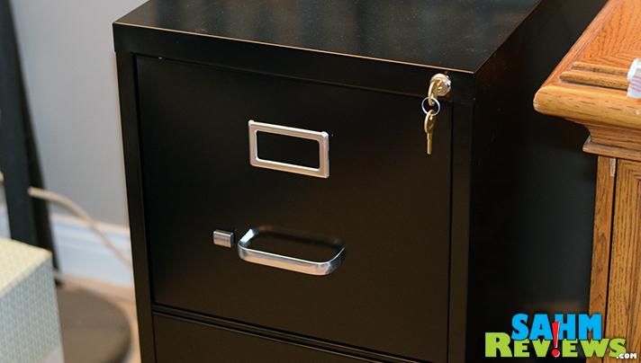 Your desk, home and life don't need to be a cluttered mess. Here are 10 tools to get organized. - SahmReviews.com