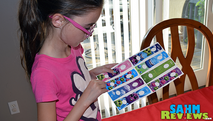 Your child can personalize the face plate on their Sonicare for Kids. - SahmReviews.com
