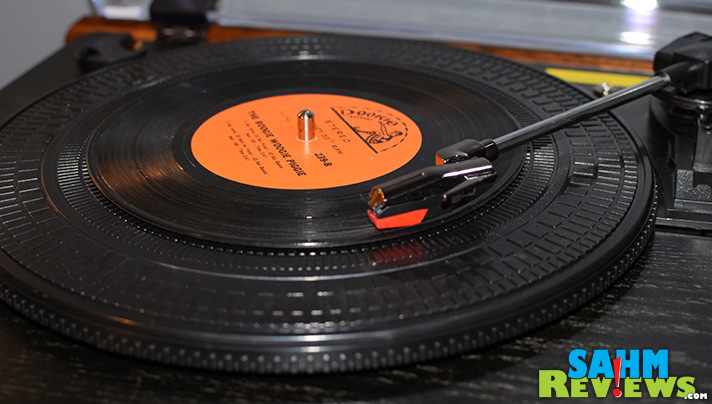 Listen to your vinyl on the turntable or convert it to .mp3 format with this 1byone turntable! - SahmReviews.com