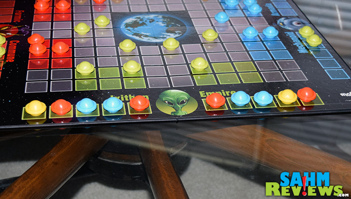 Not every thrift store find is a gem. Space Checkers by Wiggles 3D turns out to be only a close encounter instead of one that's a must-have. - SahmReviews.com
