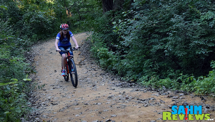Unleash independence with Islabikes Creig as kids go off the beaten path. - SahmReviews.com