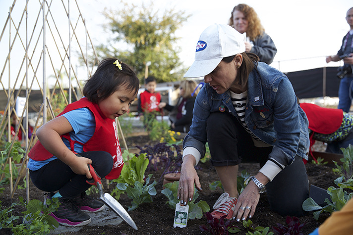 Birds Eye has teamed up with EMA and celebrities in the GreenMySchool program to help families plant gardens at their schools. - SahmReviews.com