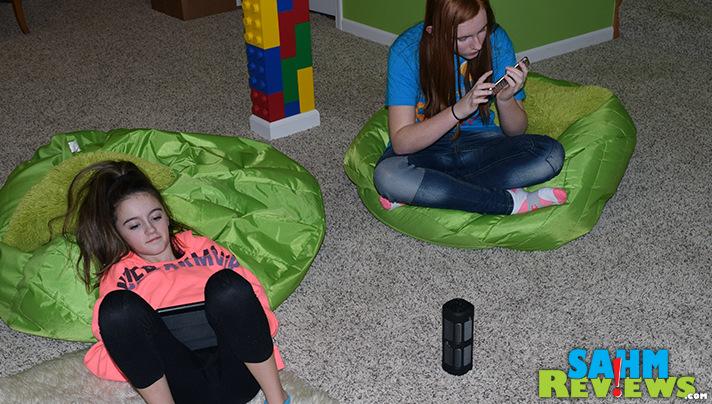 SmartOmi Optimus Speaker offers 360 listening, doubles as a power bank and includes a remote! - SahmReviews.com