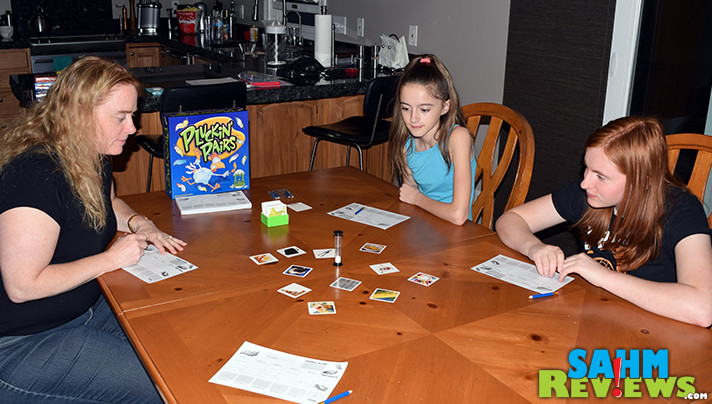Pluckin' Pairs from R&R Games is quick to set up and plays 3-8 people! - SahmReviews.com