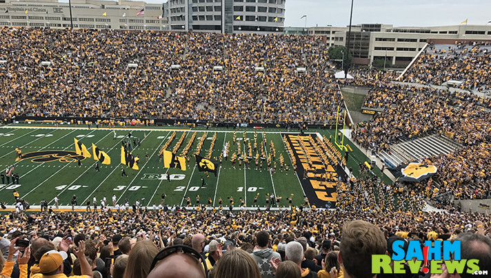 We were at Kinnick Stadium for the inaugural 1st Quarter Hawkeye Wave. Learn more about the birth of the tradition that went viral. - SahmReviews.com