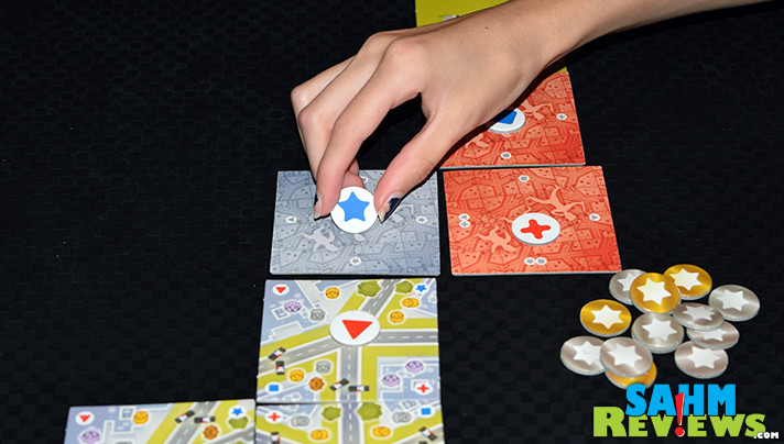 It's coming to the U.S. very soon! Here's a sneak preview of 5 Minute Chase by Board & Dice! Can you catch the prisoners before they escape? - SahmReviews.com