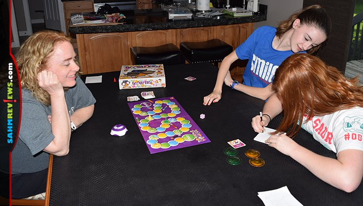 How well could you draw if your vision was altered? That's the idea in Goliath Games' new Googly Eyes party game! See for yourself! (See what I did there?) - SahmReviews.com