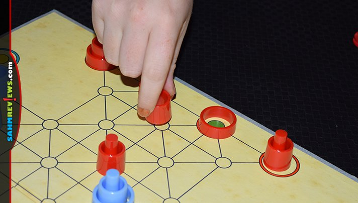 """There have been a ton of """"better checkers"""" games made over the years. This thrift find from the late 50's/early 60's got close. Check out Troke! - SahmReviews.com"""